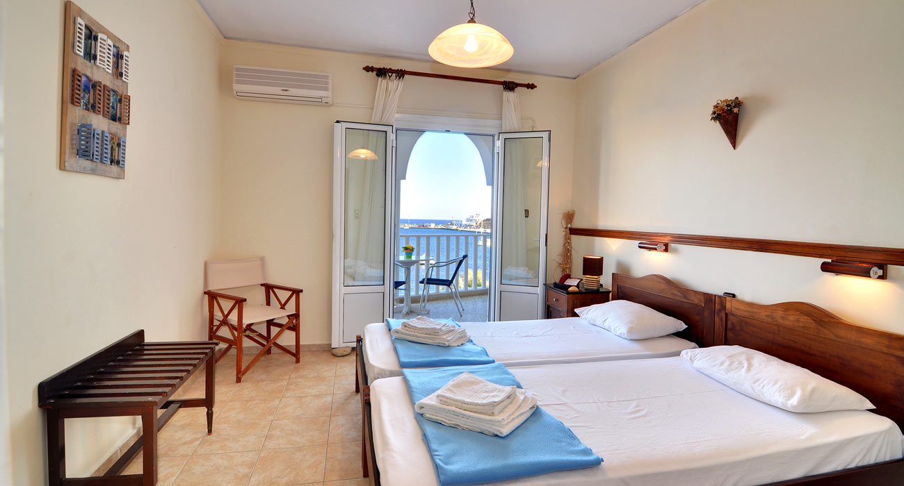 Maistrali Hotel provides rooms with sea view in Serifos Greece